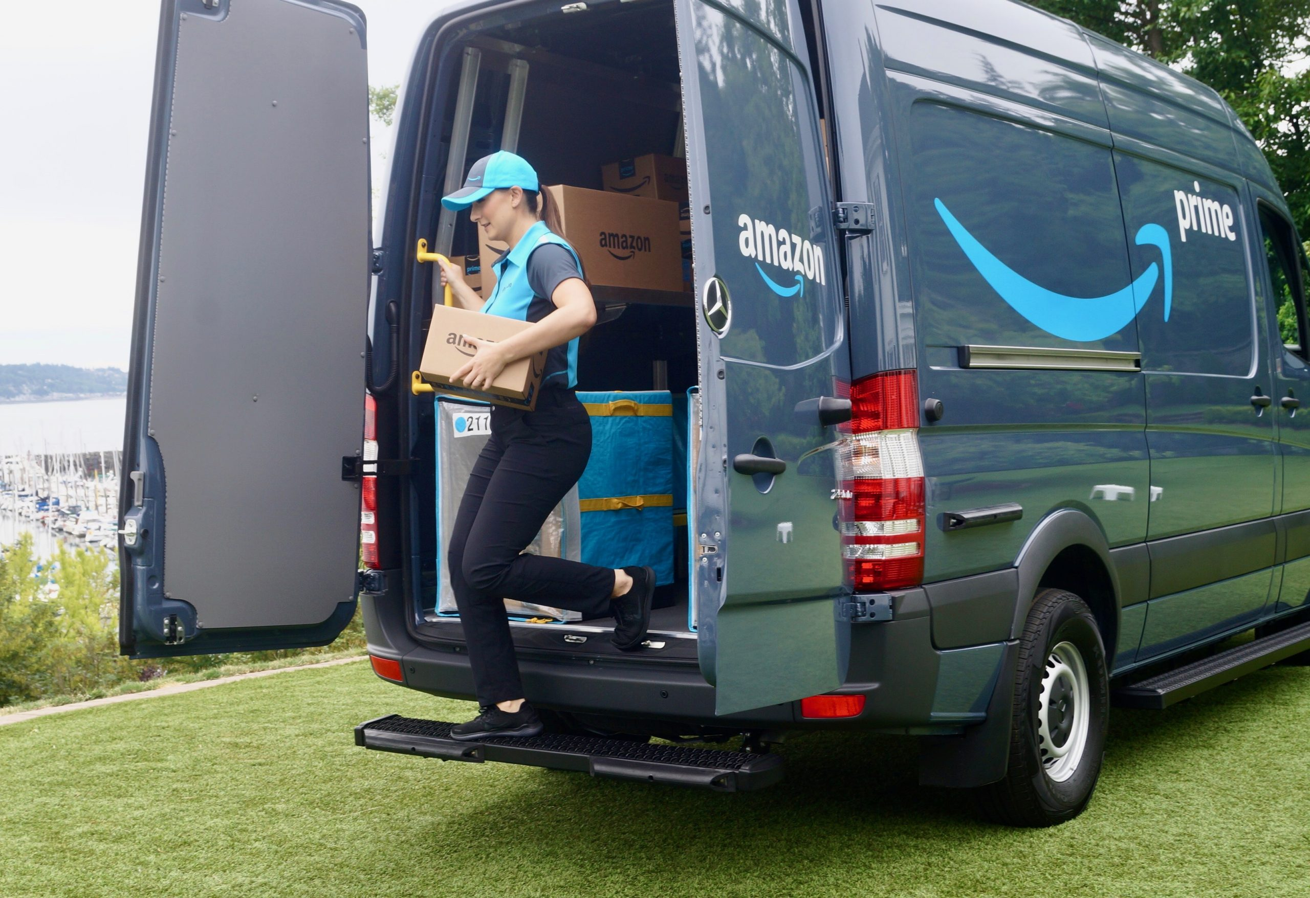 Amazon Opting To Deliver Furniture With White-Glove Delivery Tactics